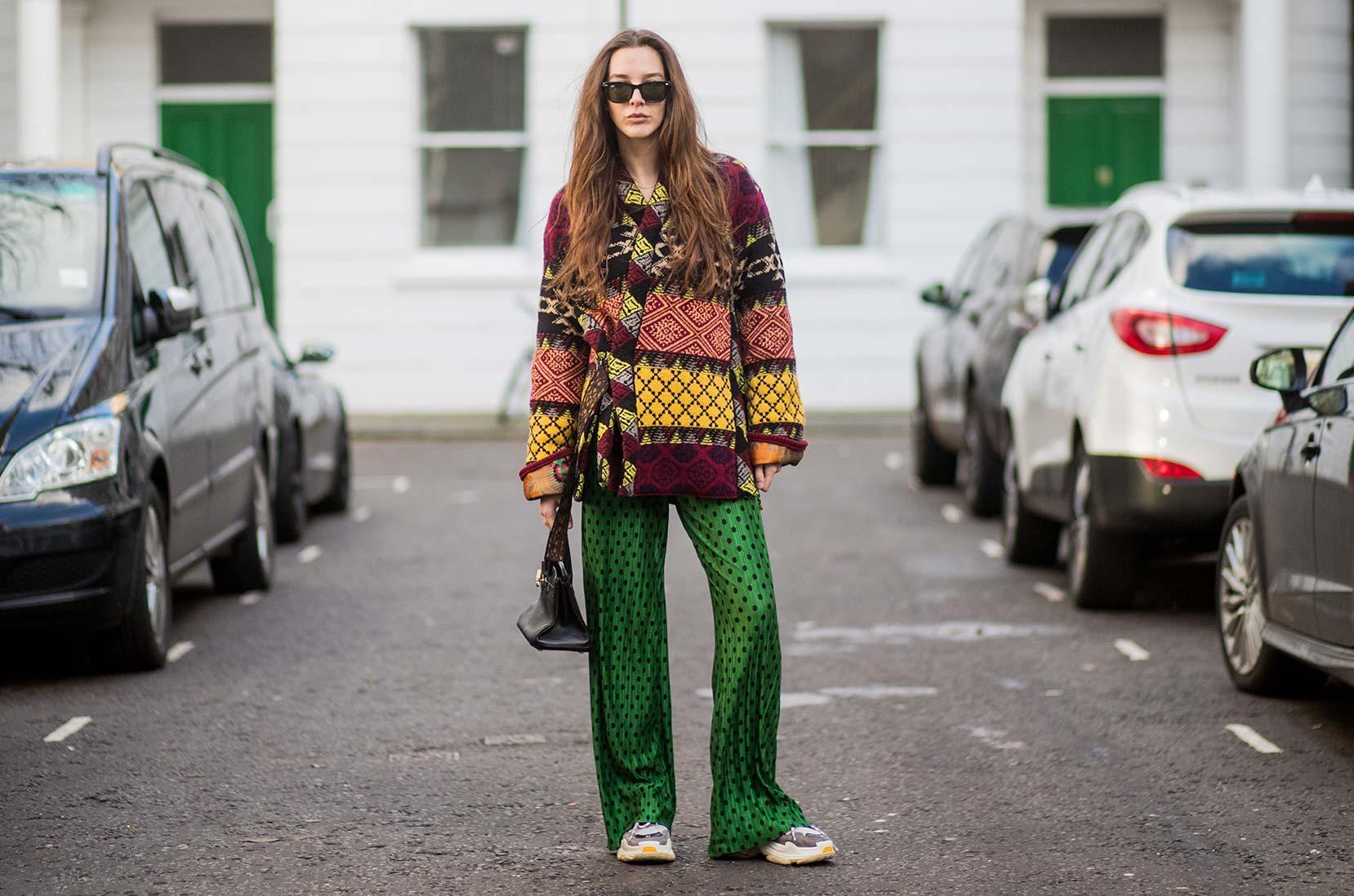 5) Mismatch på gateplan: Estelle Pigault i sneakers på moteuken i London, Men's 2018 © Christian Vierig/Getty Images