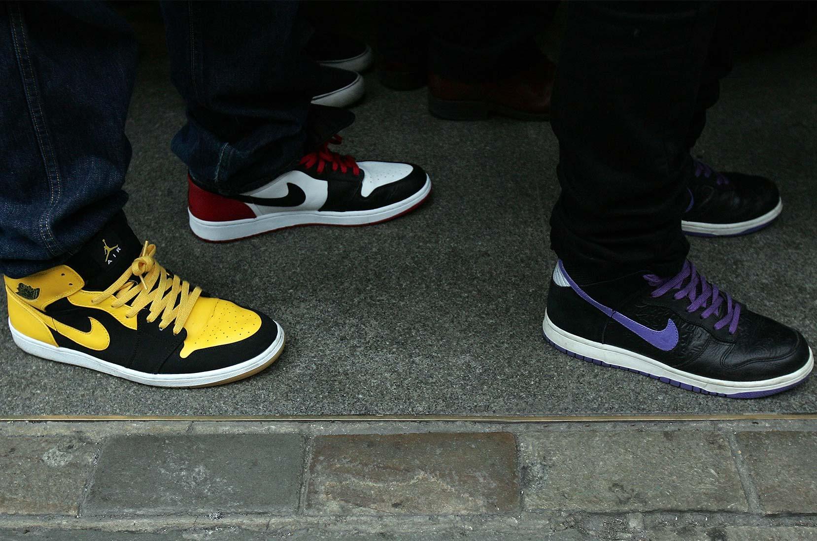 Warteschlange vor dem Nike Town Store in London, 2007 © Gareth Cattermole/Getty Images für Nike