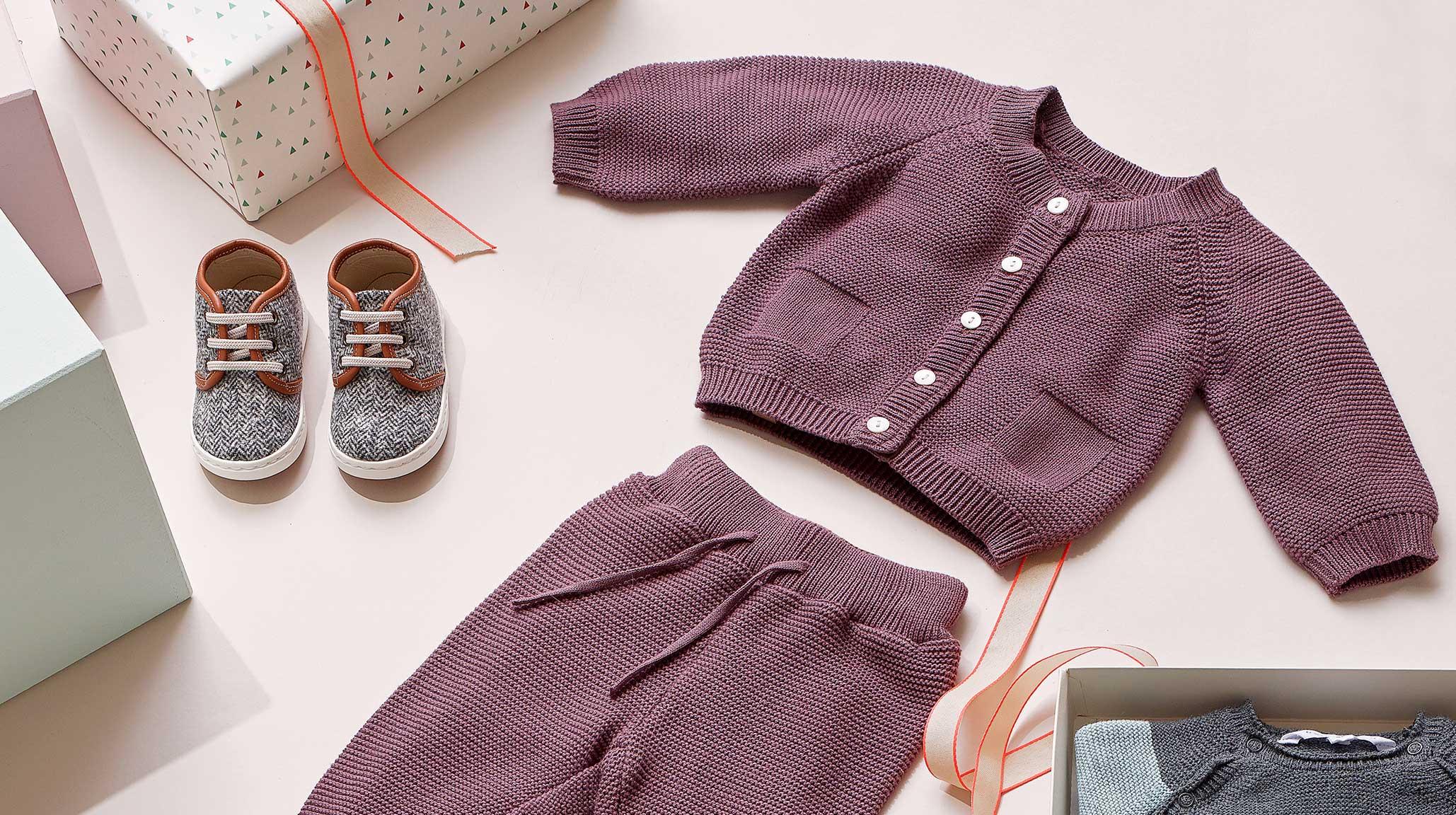 Bekleidung für Babies zur Erstausstattung