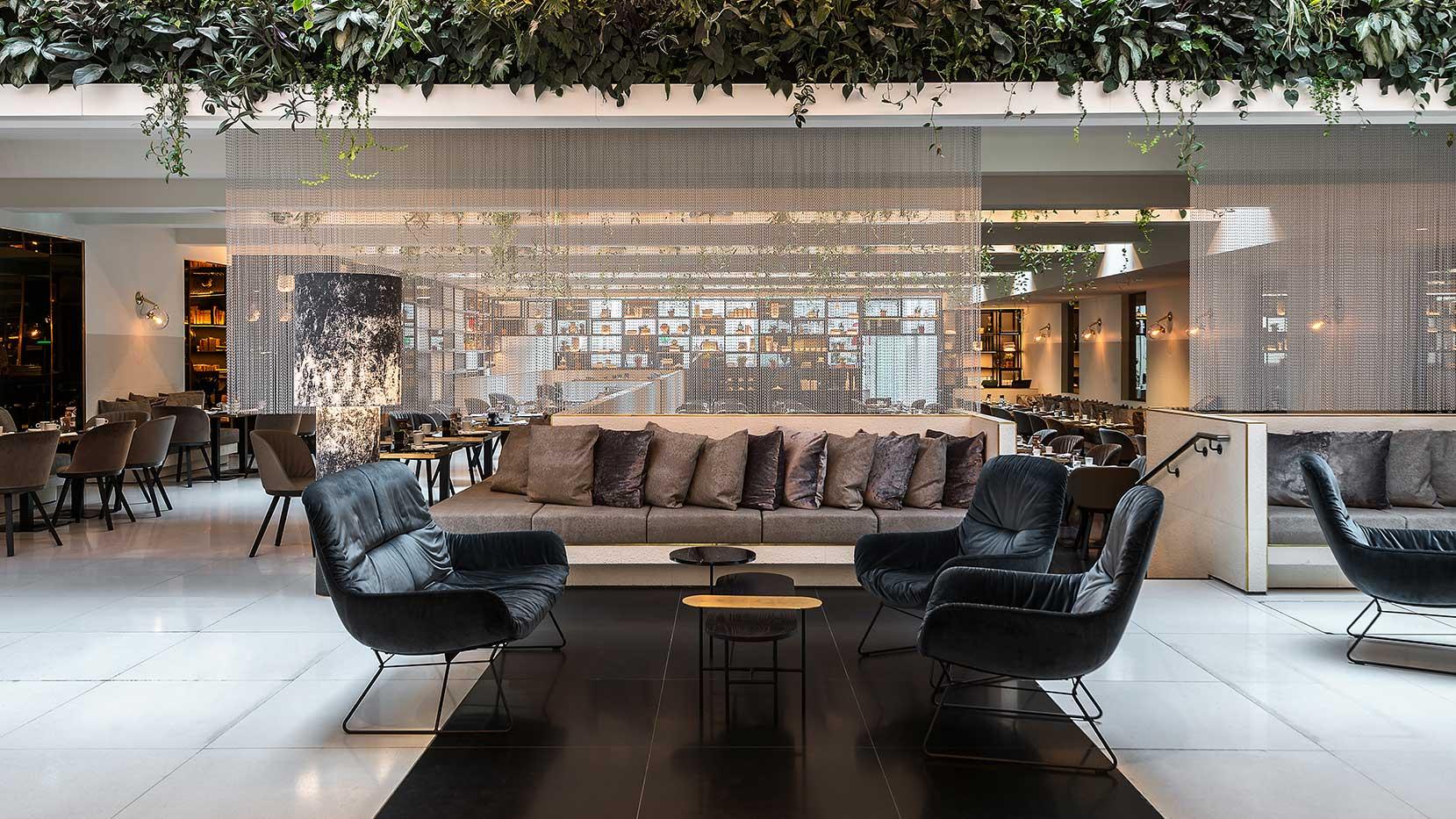 Le Merdién Wien Lobby