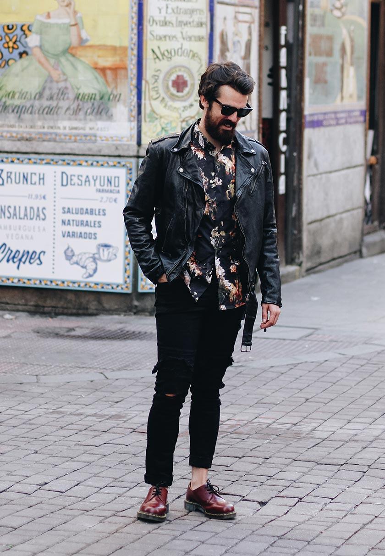 Alex de Marcos im casual Look in Madrid