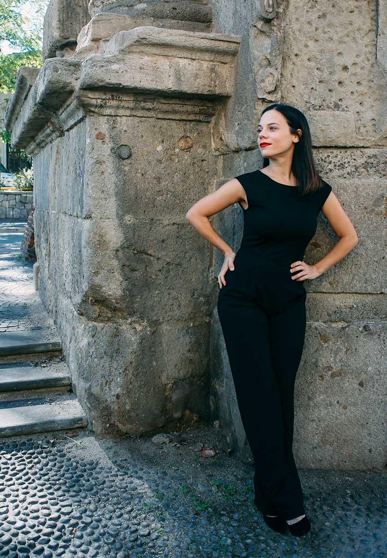 Elena Schiavon im eleganten Outfit in Mailand