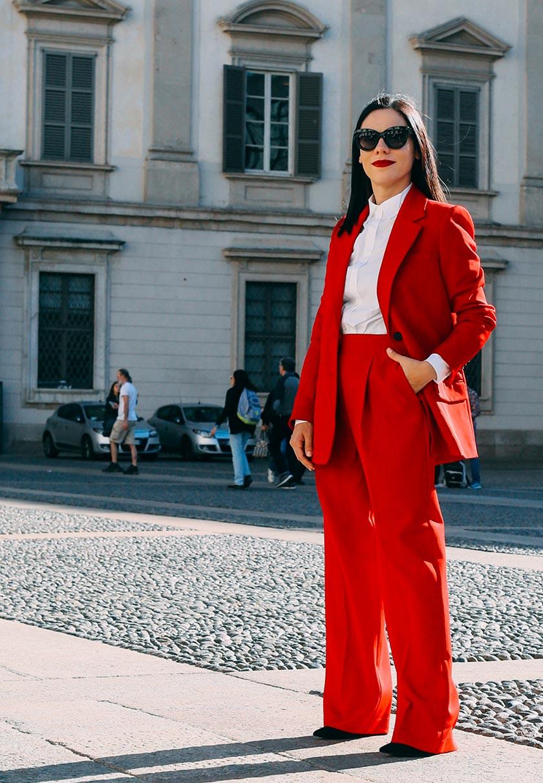 Elena Schiavon im Business Outfit in Mailand