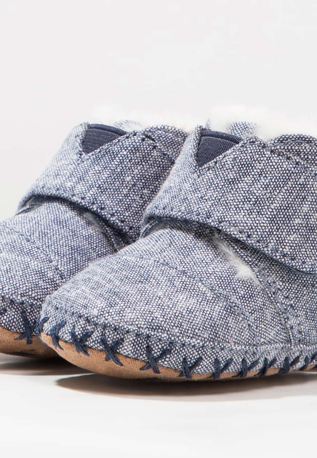 blauer Krabbelschuh für Babys und Kleinkinder