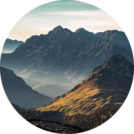Berge und Hochgebirgslandschaft