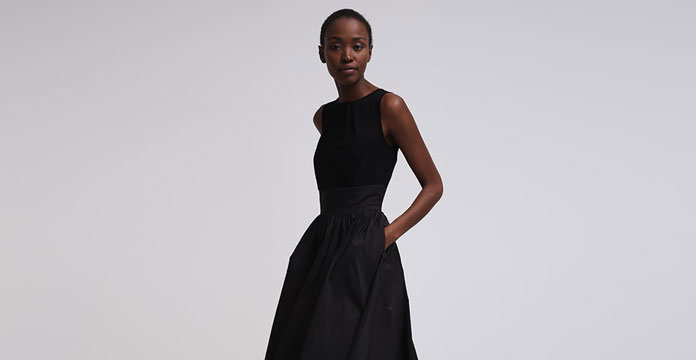 schwarzes A-Linien Kleid
